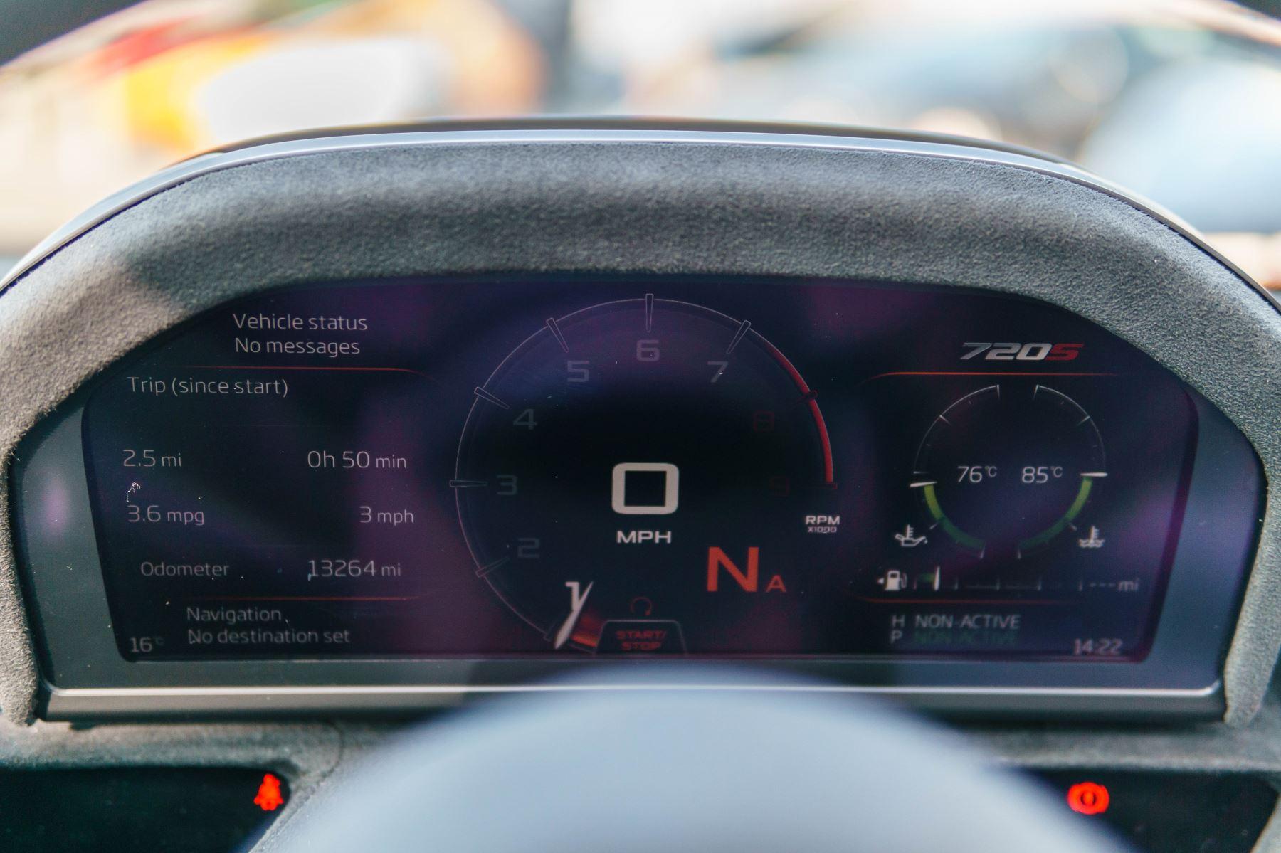McLaren 720S V8 2dr SSG PERFORMANCE image 42